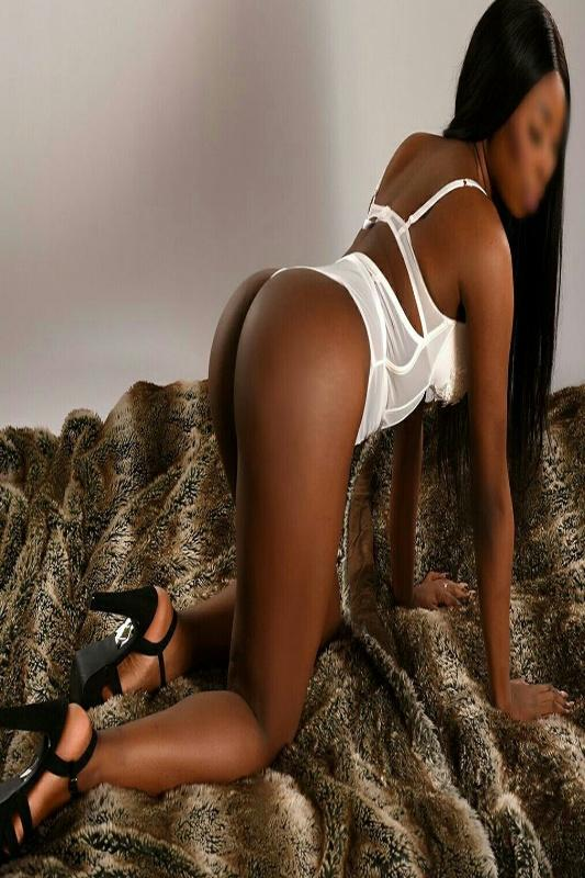 Alliyah - Big Black Booty Escort In London