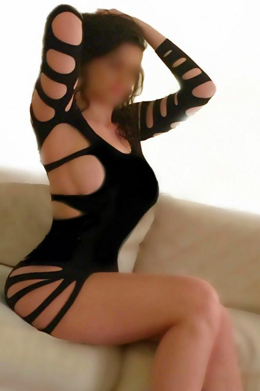 VIP Busty English Escort, Amber
