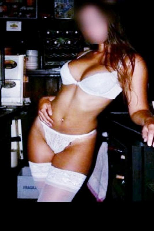 Ashley - Sexy, Tall 32DD Busty English VIP Escort In Egham