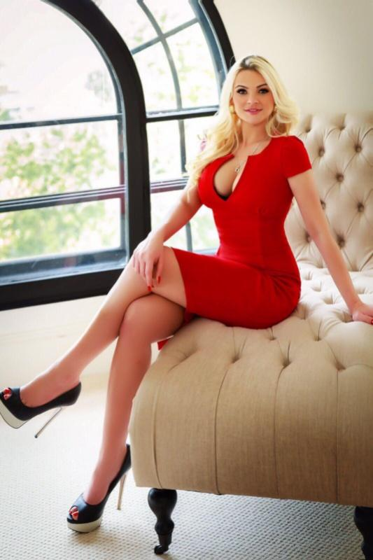 Bella  - Busty Blonde Italian Escort In EastLondon