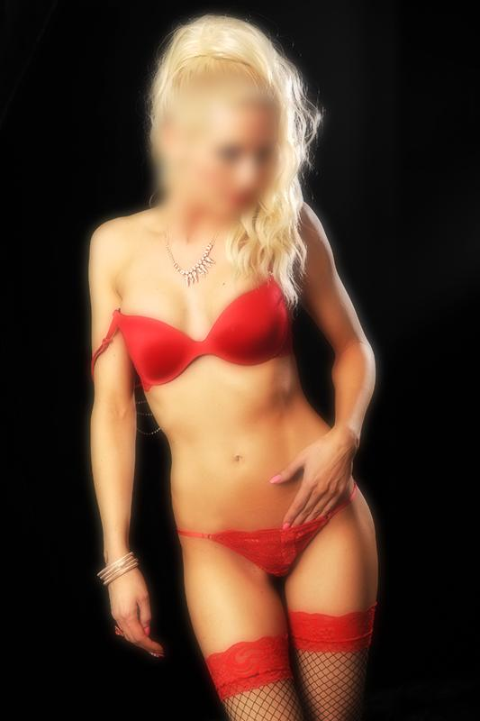 Claudia - Blonde Irish Escort In Harlow