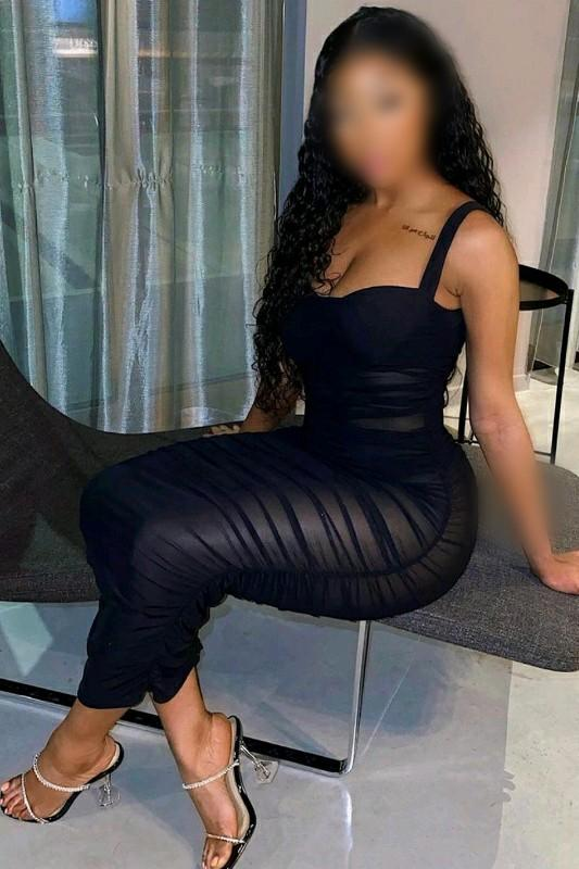 Destiny - Curvaceous Black British Escort In Surrey