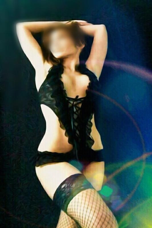 Slim English Escort In Southwark