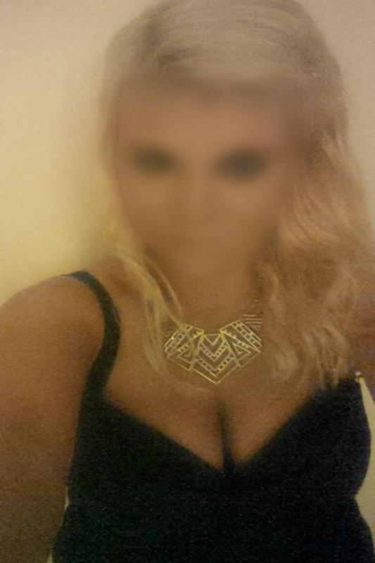 VIP Petite English Escort