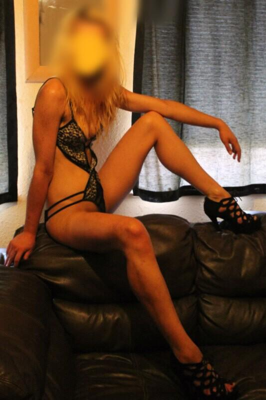 Tall Blonde English Escort In EC1
